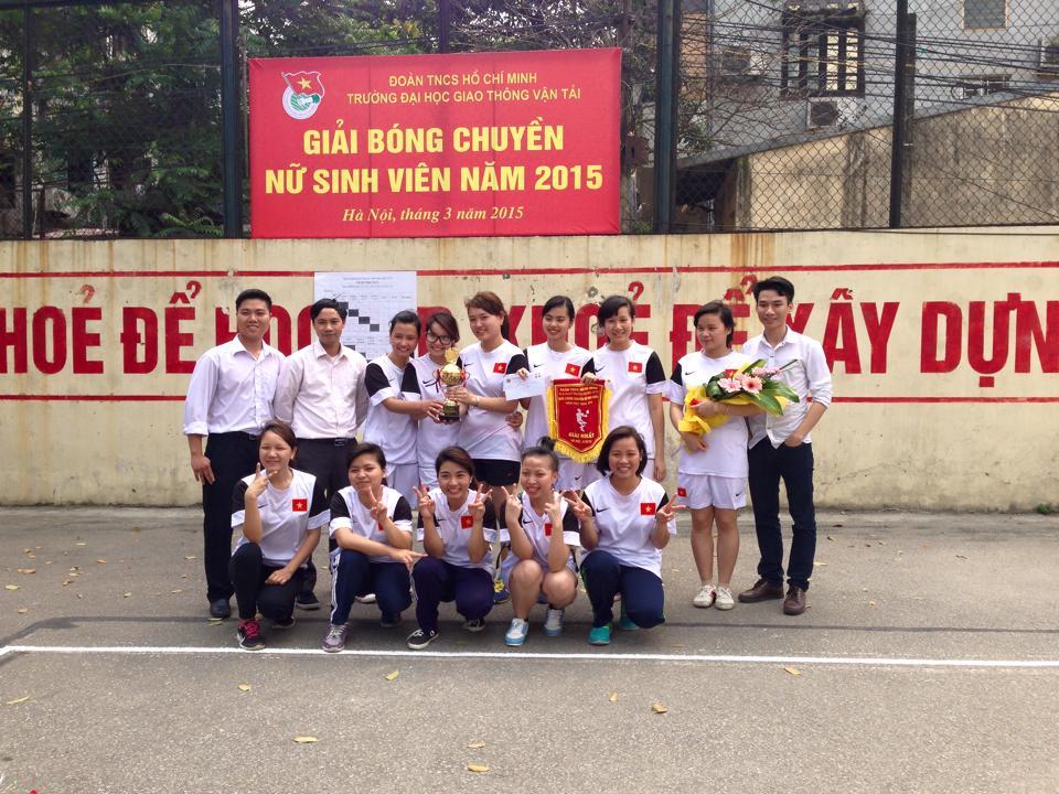 Đội tuyển bóng chuyền nữ sinh viên Khoa CNTT vô địch giải bóng chuyền nữ sinh viên Trường ĐHGTVT 2015