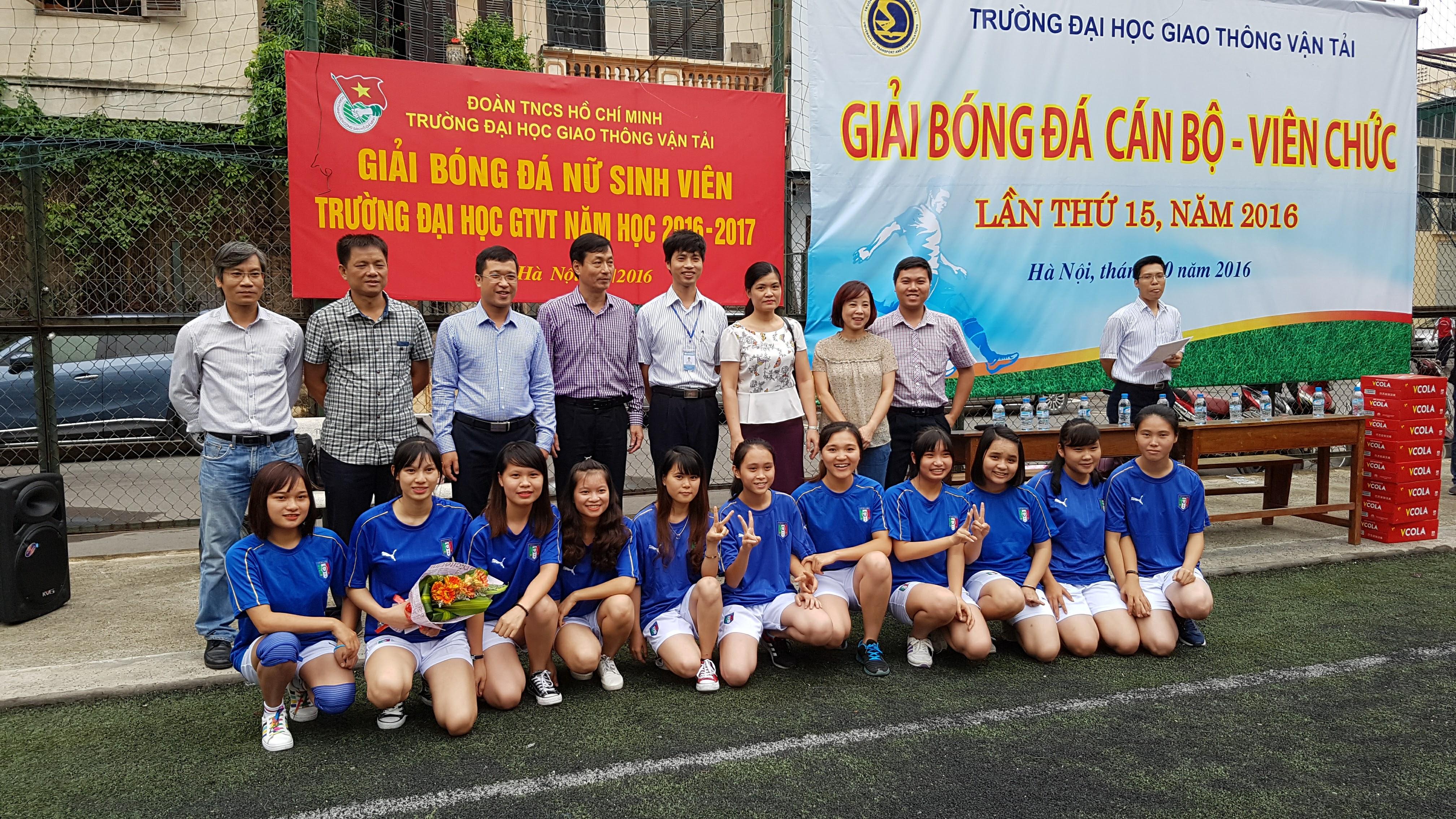 giải bóng đá nữ sinh viên Trường ĐHGTVT năm 2016_1