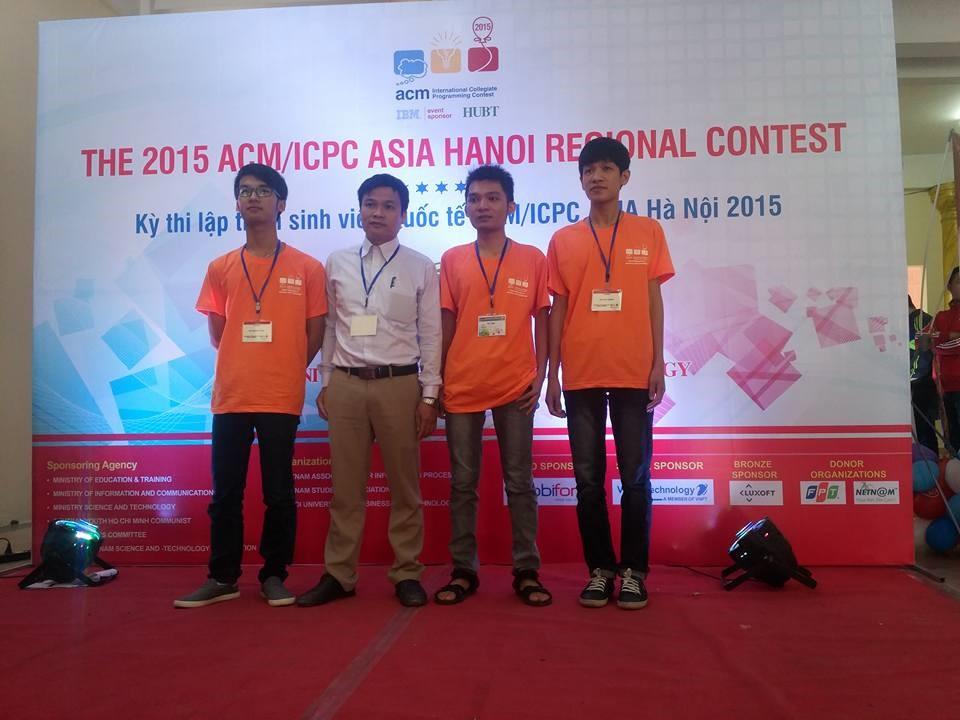 Đội tuyển OLP tin học SV Trường Đại học Giao thông Vận tải tham dự kỳ thi Olympic tin học sinh viên Việt Nam và kỳ thi lập trình sinh viên quốc tế ACM/ICPC năm 2015